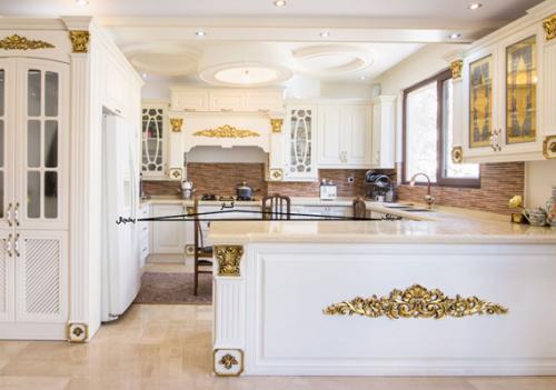 کابینت آشپزخانه سفید طلایی براق